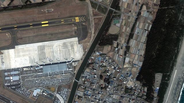 Satelliteimagesphotodevastationearthquaketsunamisendaiairport1