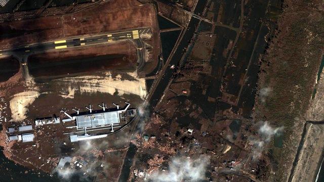 Satelliteimagesphotodevastationearthquaketsunamisendaiairport2